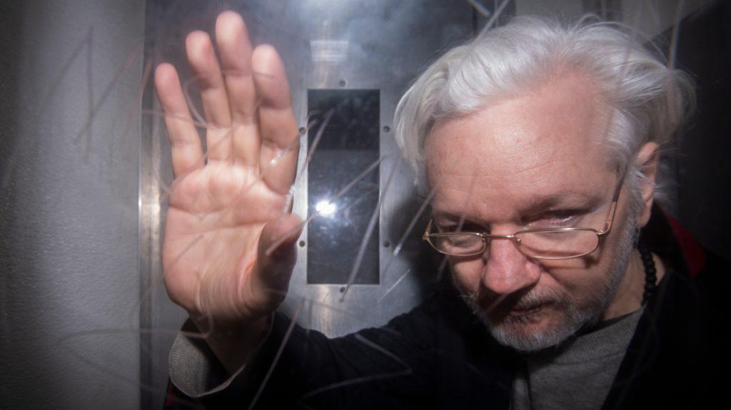 L'attribut alt de cette image est vide, son nom de fichier est Assange-13-janvier.jpg.